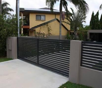 fachada de casa com portao deslizante simples