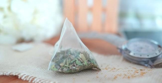 receita caseira com ervas secas contra moscas