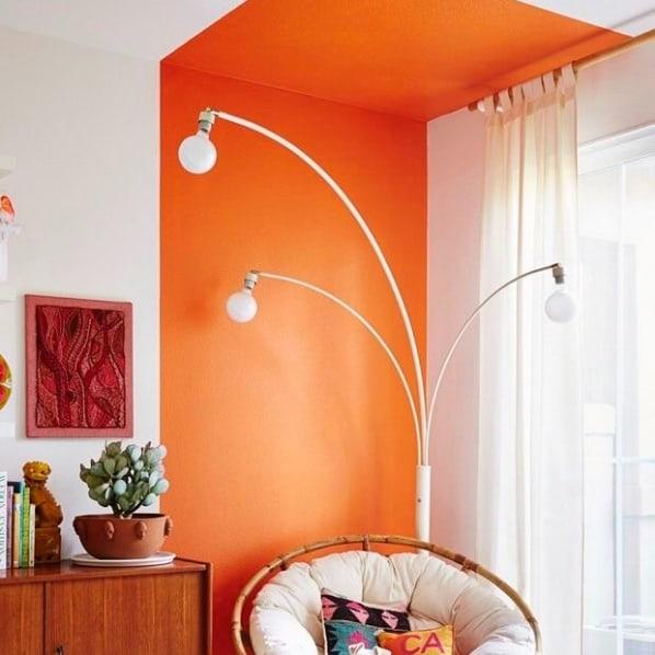 sala com pintura moderna em tinta acrilica