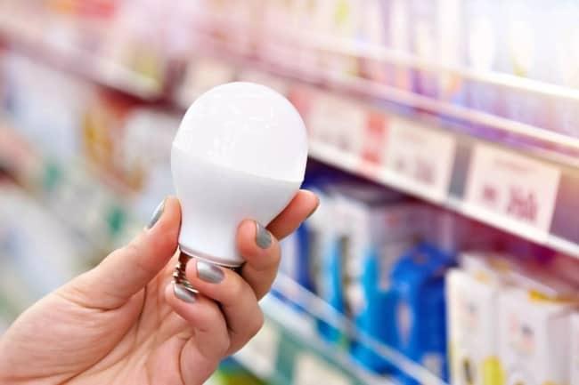 como escolher lampada para economizar energia