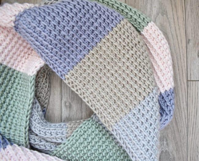 cachecol colorido de croche afegao