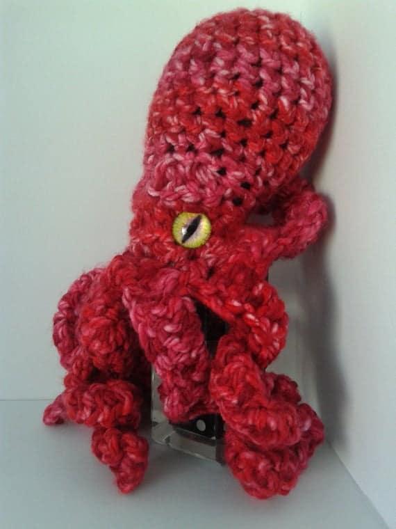 polvo de croche vermelho em tons degrade