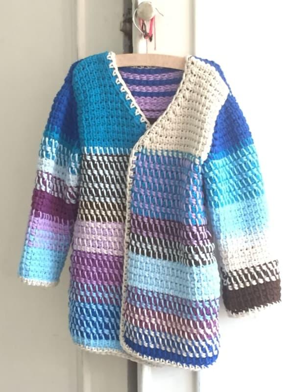 casaco colorido de croche tunisiano