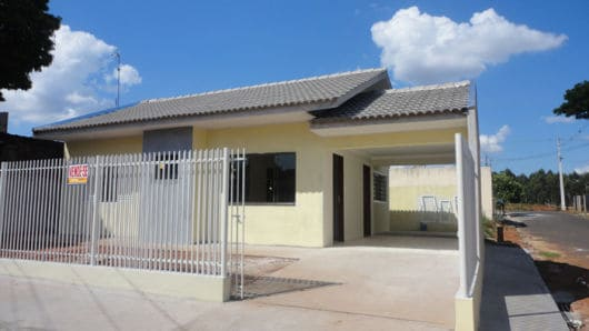 casa terrea simples com garagem lateral