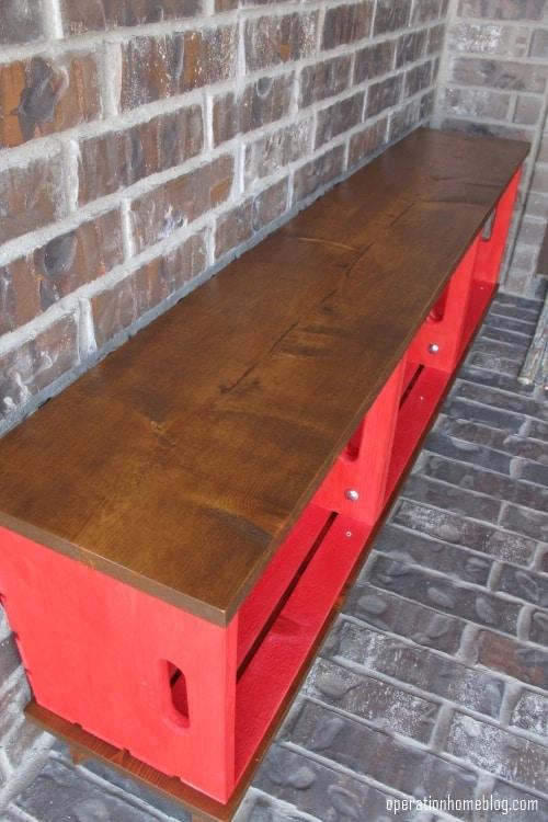modelo de banco de madeira com caixotes