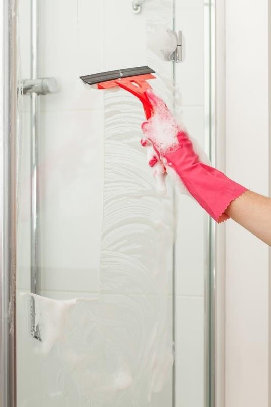 limpeza simples para box de banheiro