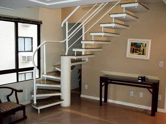 escada pre moldada semi caracol com degrau de granito