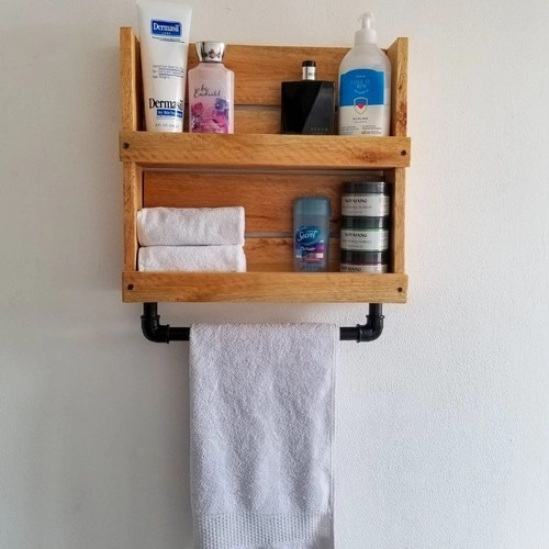 modelo de prateleira de banheiro com pallet