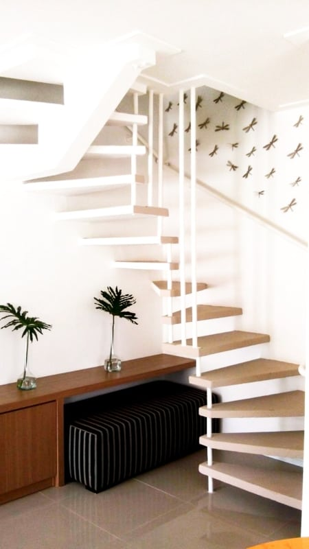 escada semi caracol pre moldada minimalista