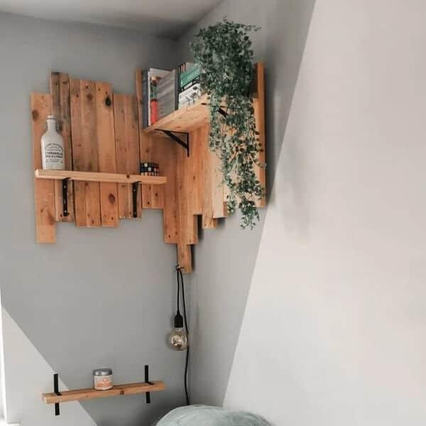 modelo de prateleira rustica de pallet para quarto