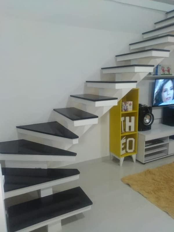 escada em L pre moldada com viga central