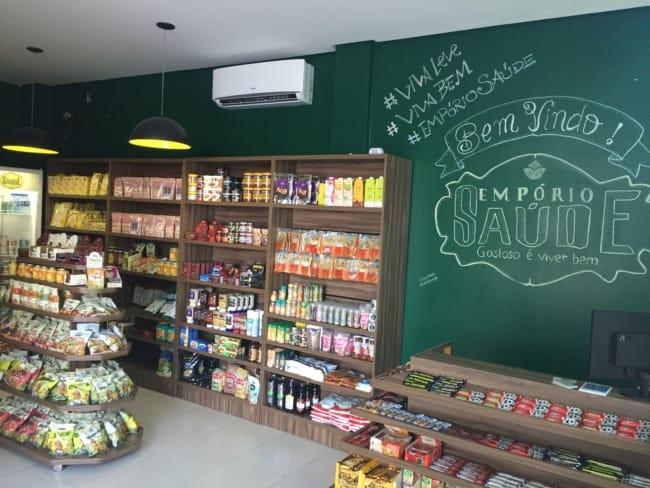27 loja de produtos naturais com balcao com prateleiras