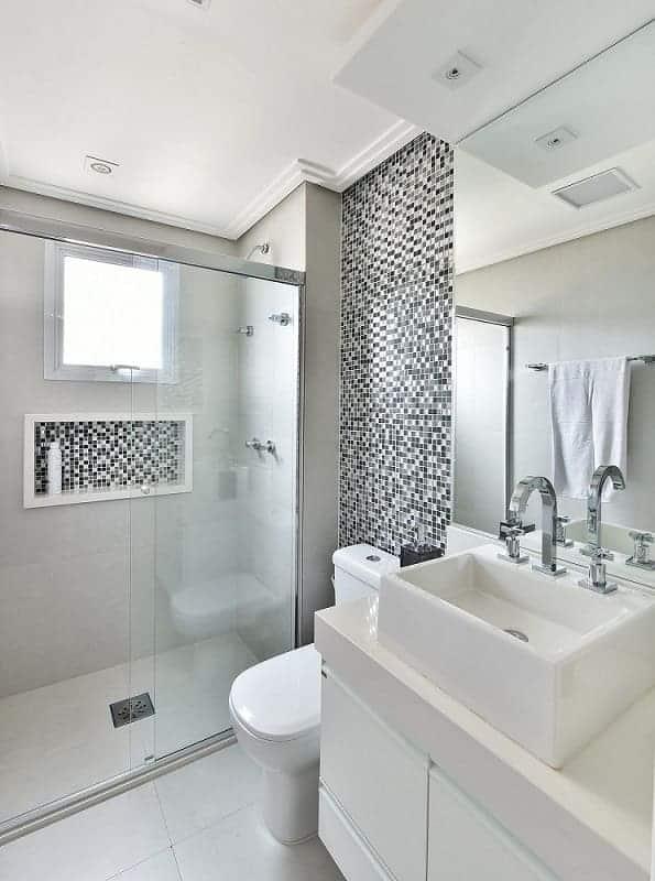banheiro com forro rebaixado de gesso
