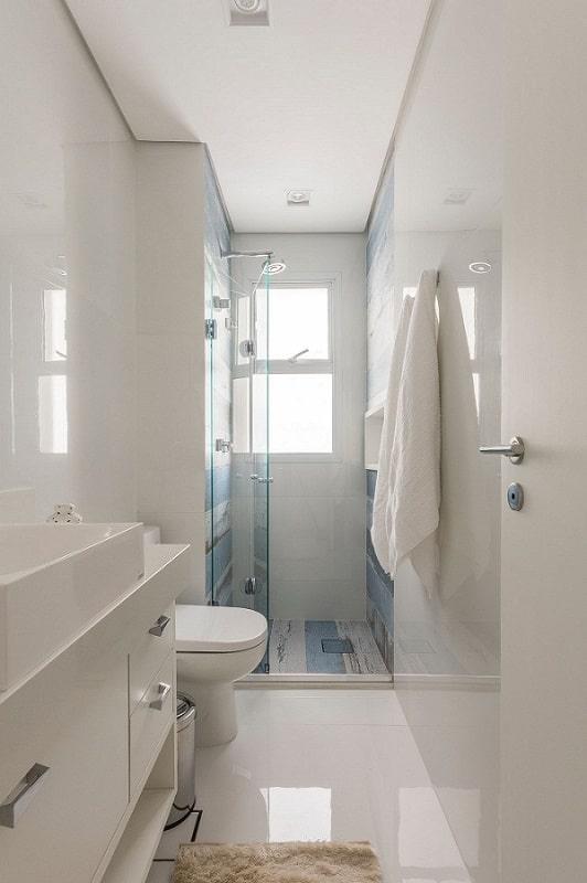 banheiro pequeno com forro de gesso rebaixado