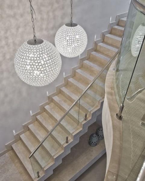 escada pre moldada reta com revestimento em marmore