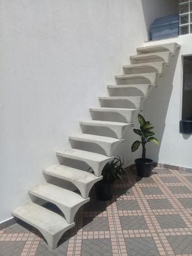 escada de concreto pre moldado simples