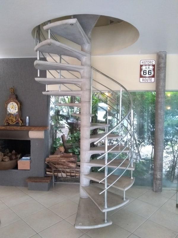 escada caracol pre moldada em concreto