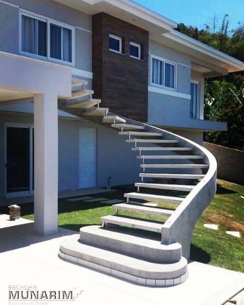 escada externa pre moldada em concreto