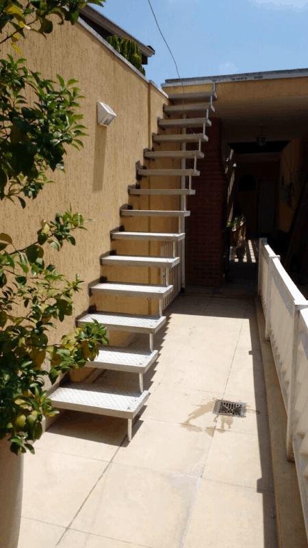escada pre moldada reta em concreto