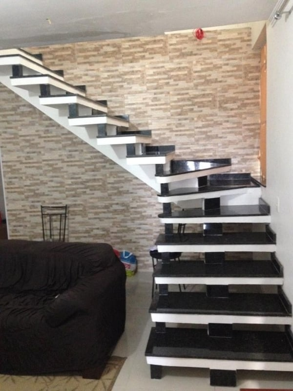 escada pre moldada com viga central
