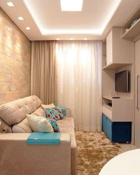 sala pequena com forro de gesso e luzes embutidas