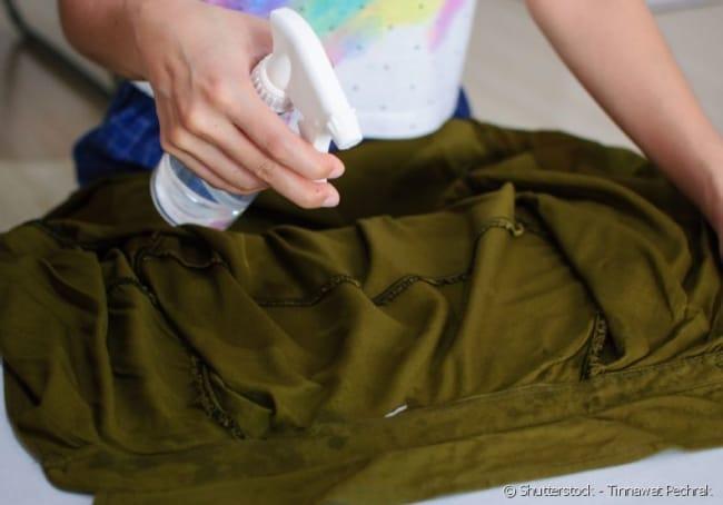 como passar roupa amassada