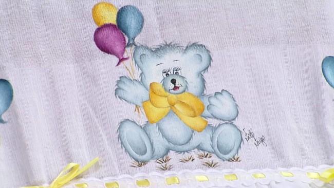 fralda com pintura de ursinho com baloes