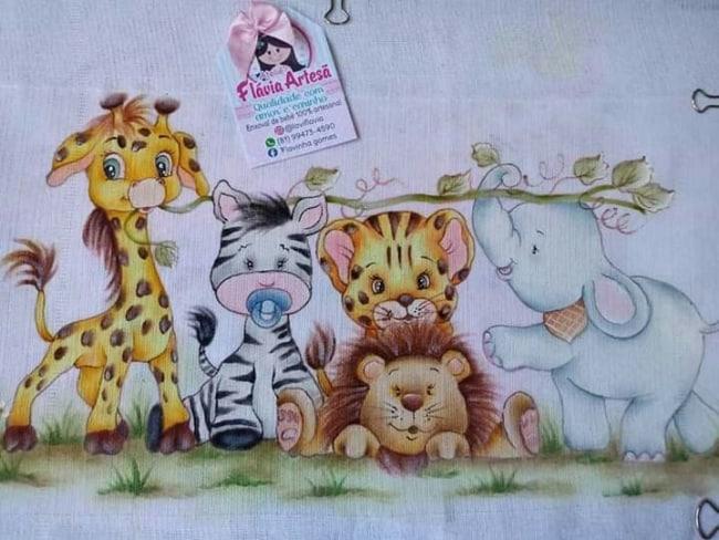 fralda de bebe com animais safari