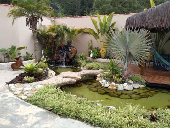 projeto de jardim com lago de carpas e cascata