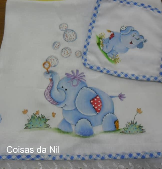 fralda de bebe com pintura de elefante