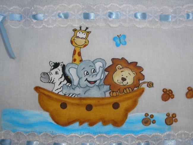 fralda de bebe com pintura arca de Noe