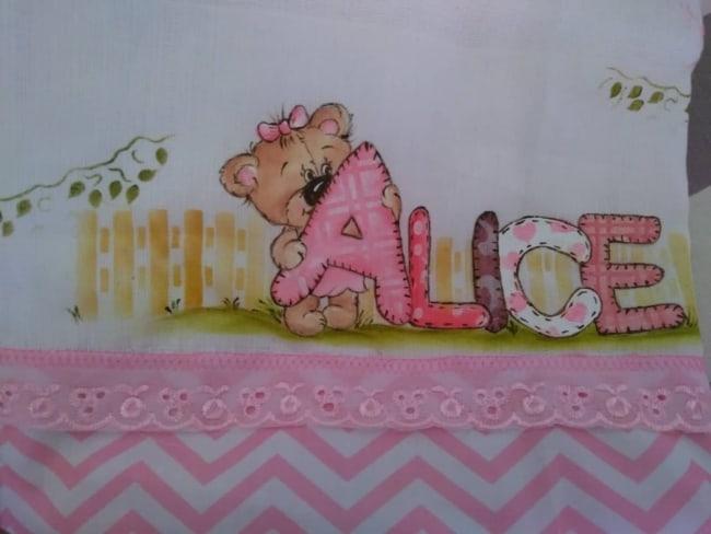 fralda com pintura de ursinha e nome