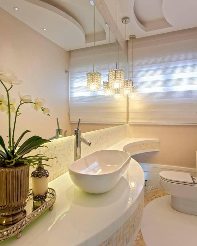 lavabo moderno com paredes cor areia