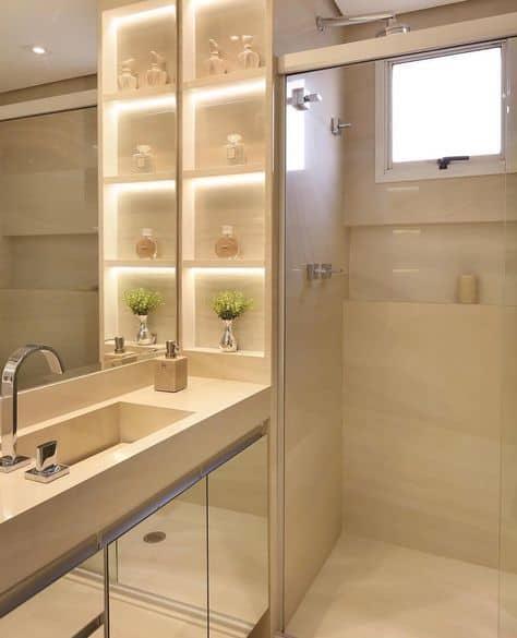 banheiro moderno e pequeno cor areia