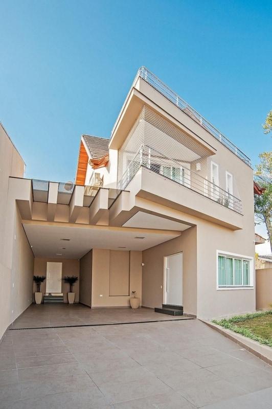 fachada de casa moderna com pintura cor areia
