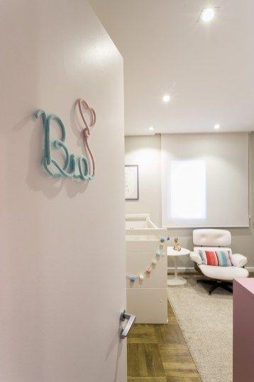 quarto de bebe com poltrona Charles Eames