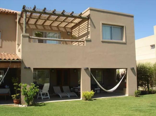 pintura de casa moderna em cor areia