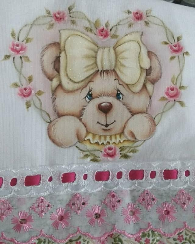 fralda de bebe com pintura de ursinha