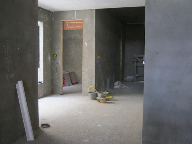 Area interna rebocada com argamassa