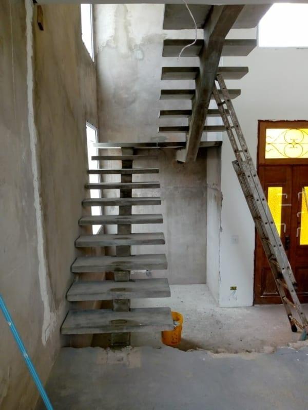 Construcao de escada de concreto
