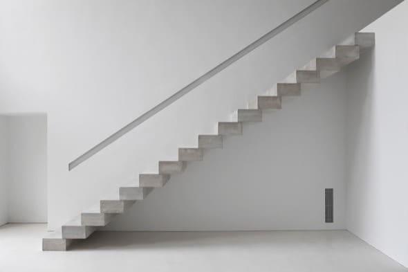 Construcao de escada reta no estilo cascata