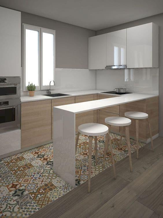 Cozinha decorada com branco gelo