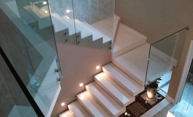 Escada cascata revestida com porcelanato