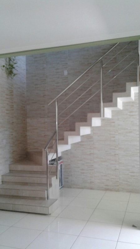 Escada modelo L para residencia