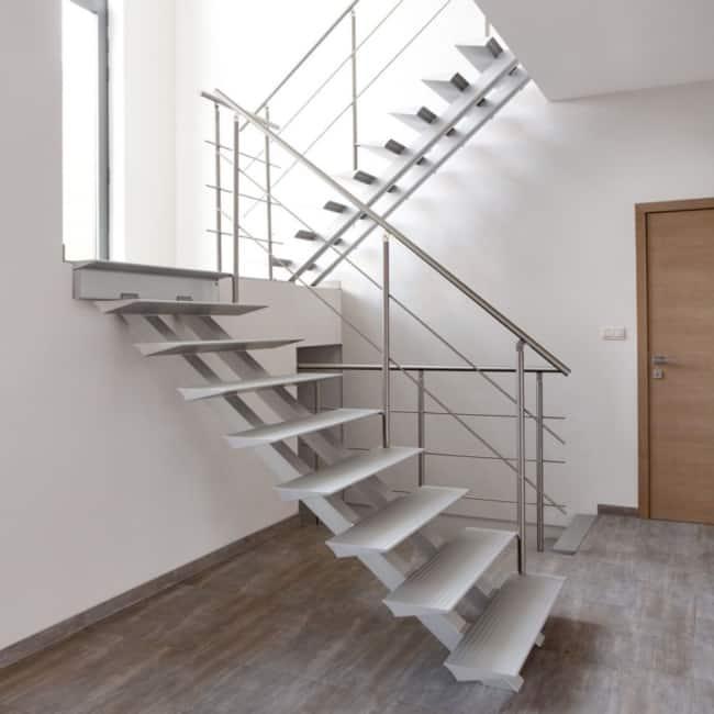 Escada para decoracao clean com piso antiderrapante