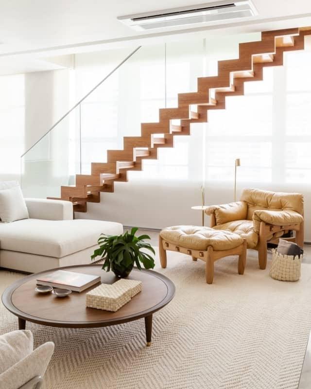 Escada plissada de madeira altamente decorativa