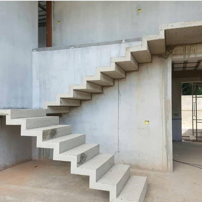 Estrada de concreto em construcao