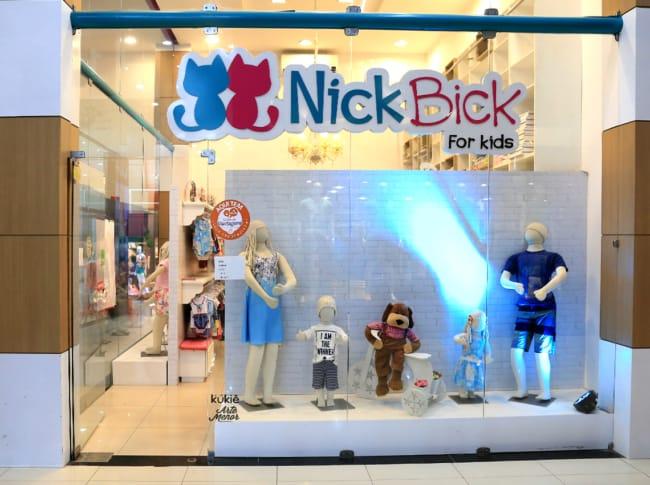 Fachada para loja de roupas infantis