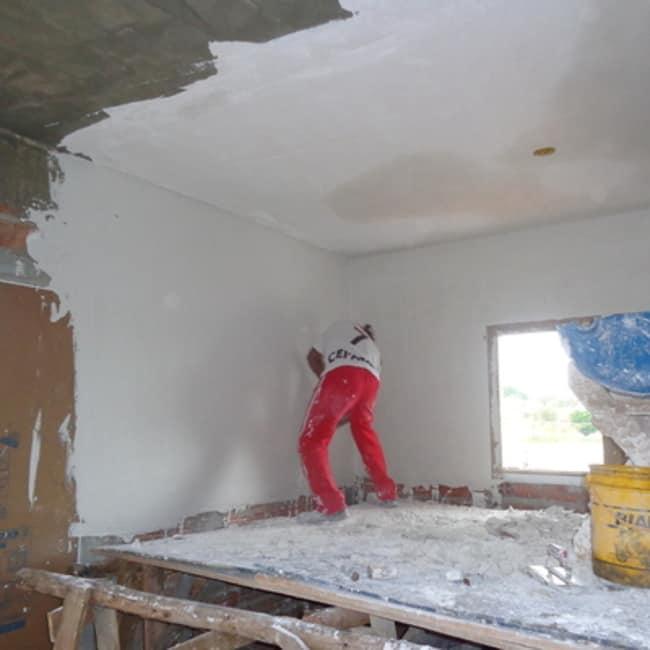 Gesso aplicado no teto e na parede