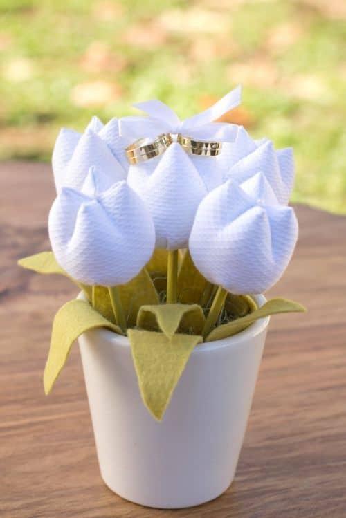 tulipa em tecido para porta alianca